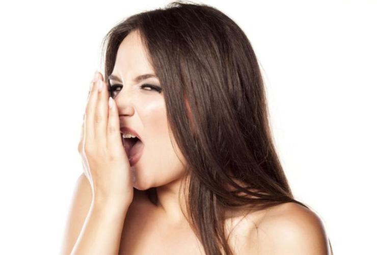 สาเหตุที่พบได้บ่อยของปัญหากลิ่นปาก